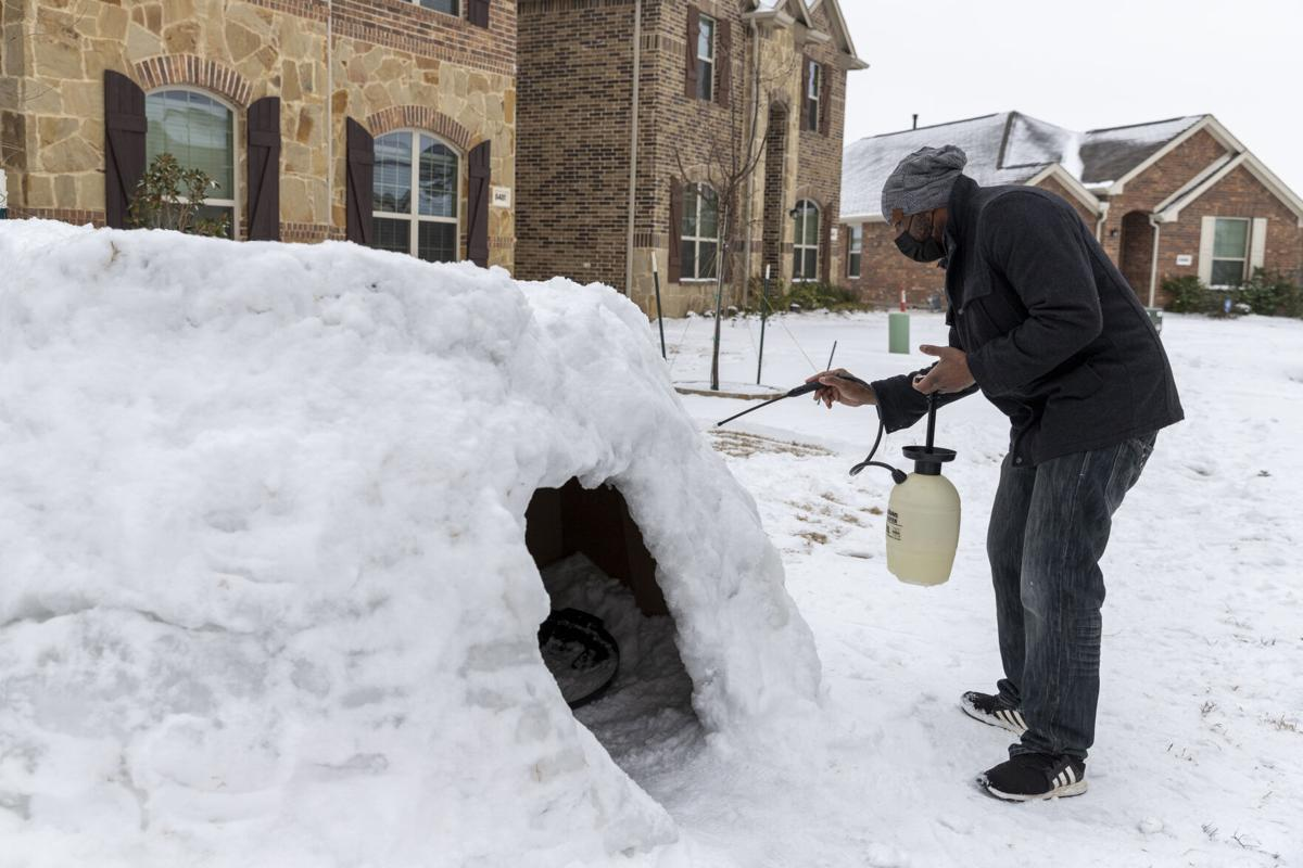 Alumnus and his 3 children build life-sized igloo after winter storm
