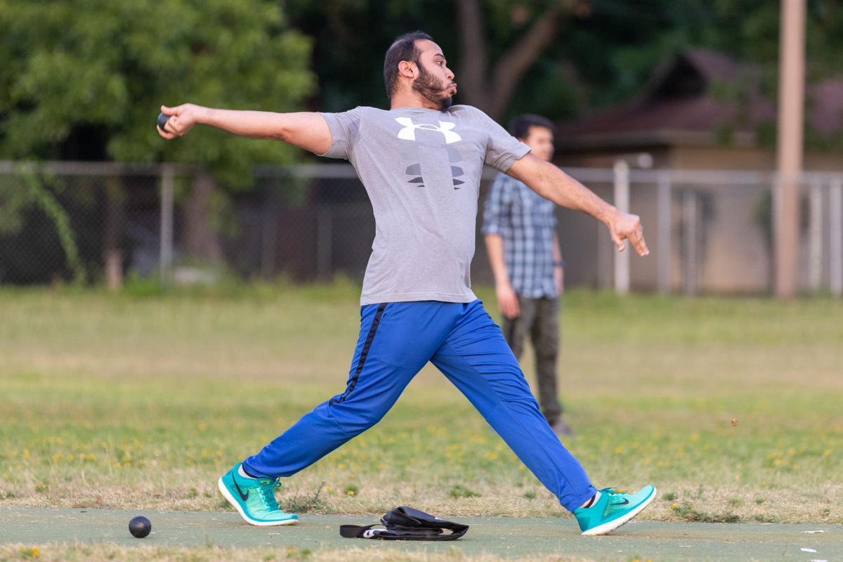 Photos: Cricket creates laid back Sunday evening atmosphere for Arlington community