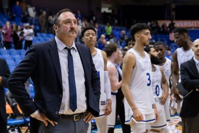 UTA men's basketball knocks off Coastal Carolina, moves into first place