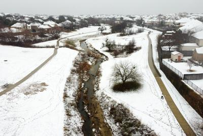 Warmer weather expected in the Metroplex after first snow of the year