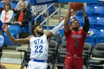 Photos: Mavericks withstand Arkansas State University Red Wolves