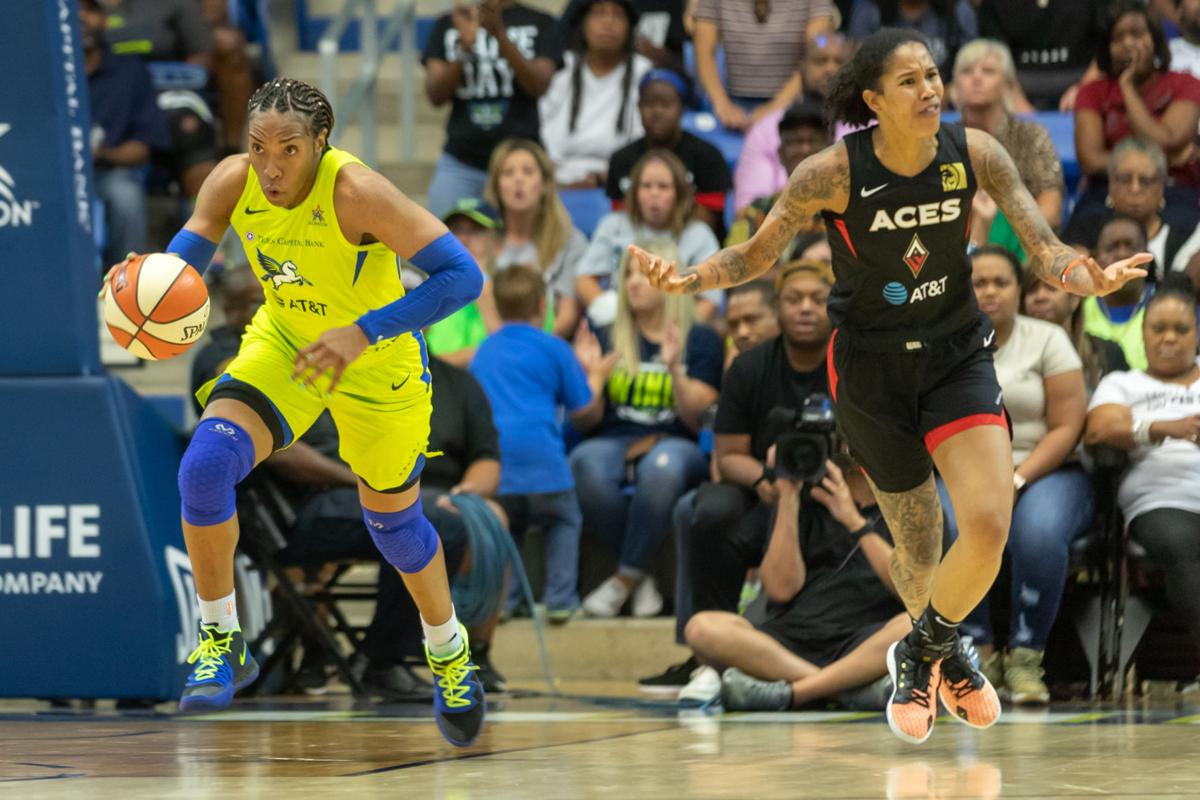 Photos: The Wings lose to the Aces as Liz Cambage misses return