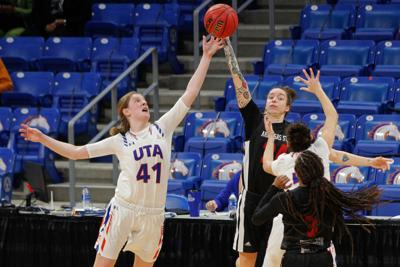 Lady Mavericks hold off Red Wolves to earn critical win