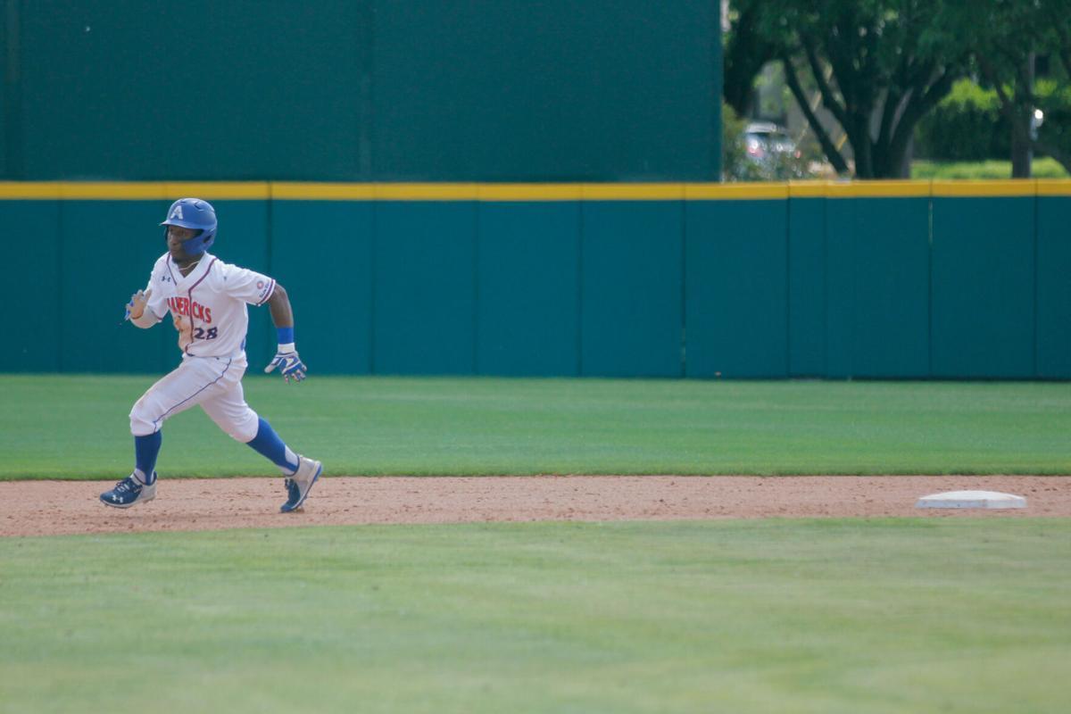 UTA baseball wins doubleheader against University of Arkansas at Little Rock