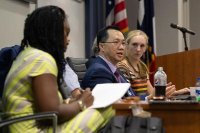 UTA Faculty Senate review COVID-19 effects, student enrollment during first fall semester meeting