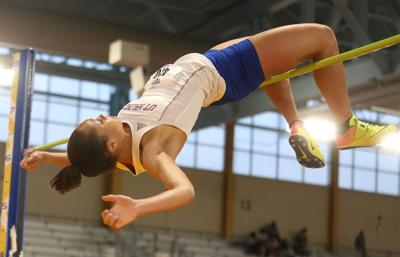 Alexus Henry: UTA's track and field high jumping star
