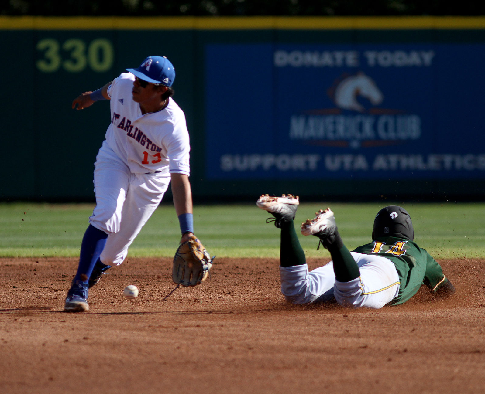 Victory slides past Mavericks in the ninth
