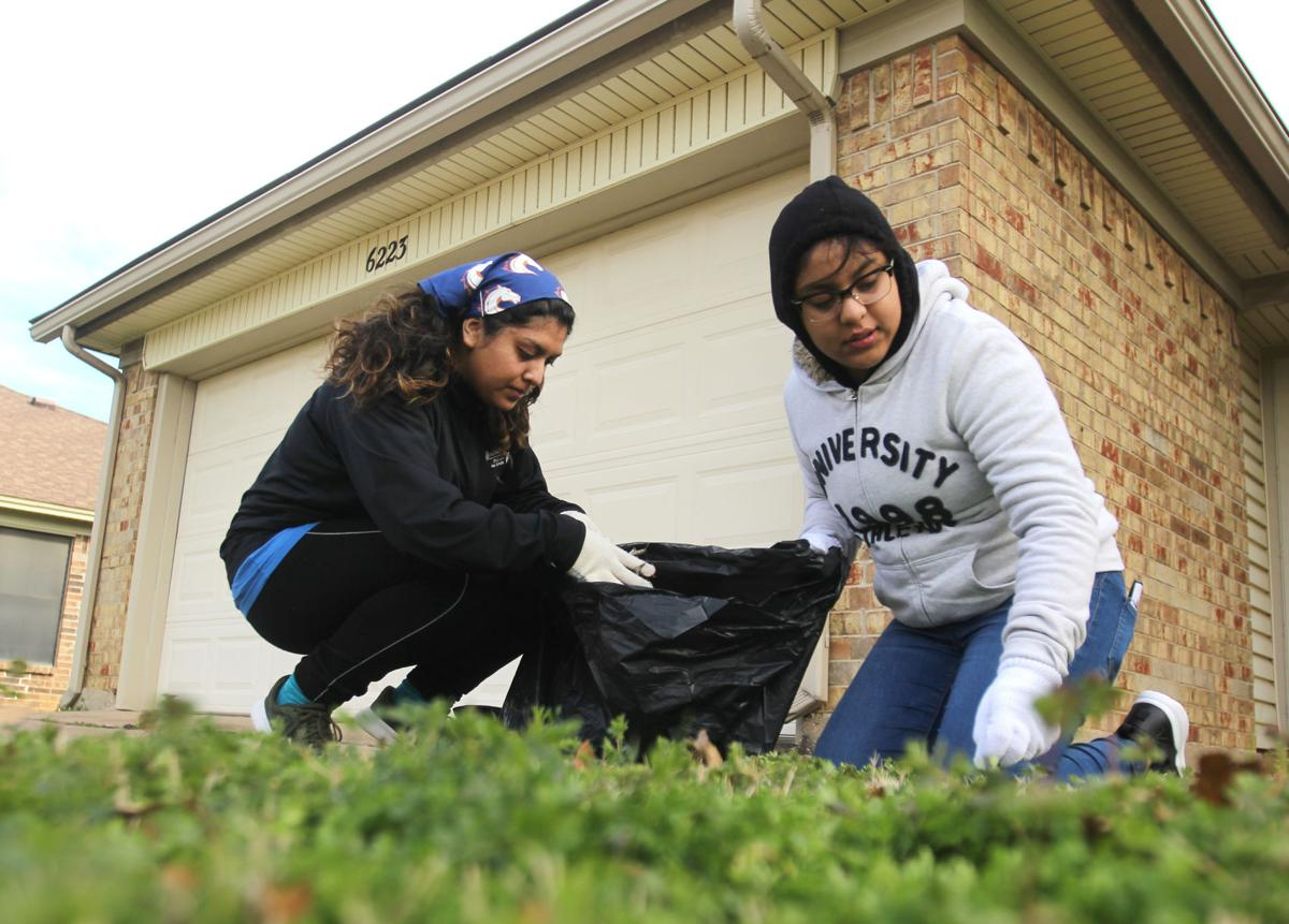UTA students unite to volunteer for Zeb Strong Jr. MLK Day of Service