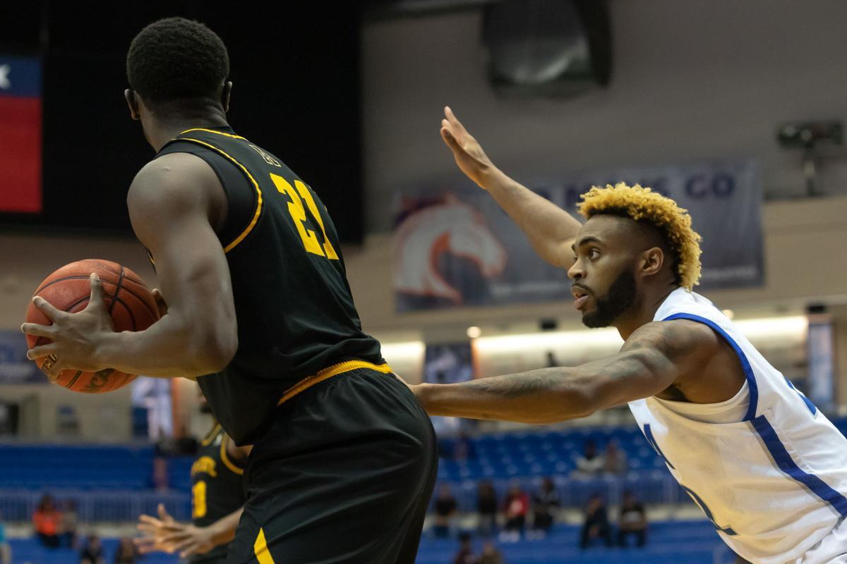Photos: Mavericks bounce back with win against Appalachian State University