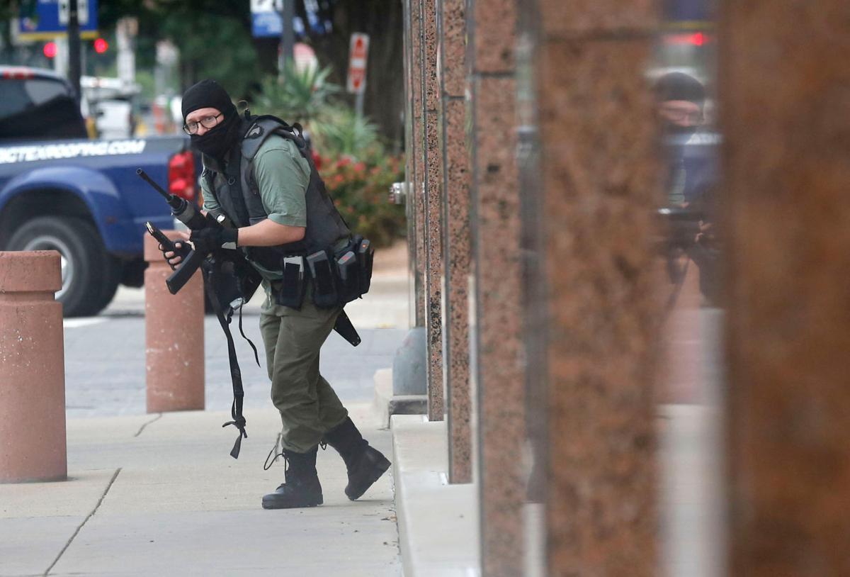 Dallas Morning News photographer caught in Monday morning shooting