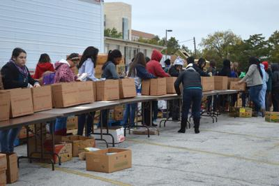 Mission Arlington brings Thanksgiving to homes