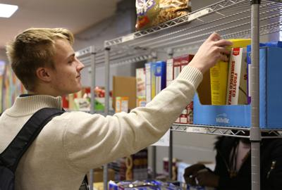Tri-C and UTA Volunteers to host first Food Pantry Distribution of fall semester