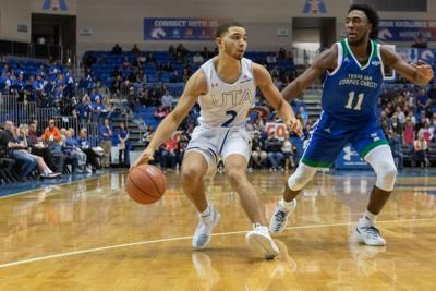 Mavericks fall to Texas A&M Corpus Christi in final seconds