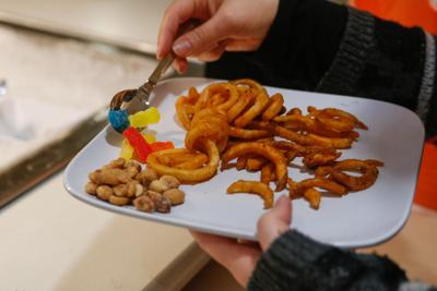 UTA Unfolded: How does UTA Dining Services label foods that contain allergens?