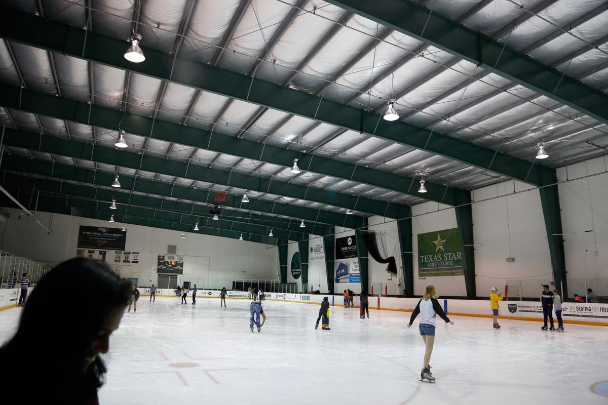 Off-Campus Mavericks in Your Neighborhood beats the Texas heat with ice skating event in Euless