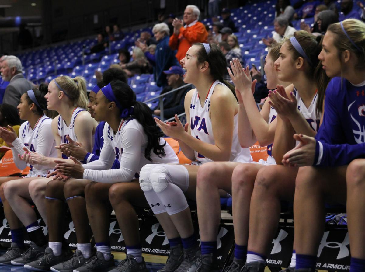 Women's and men's basketball teams set records, face adversity over winter break