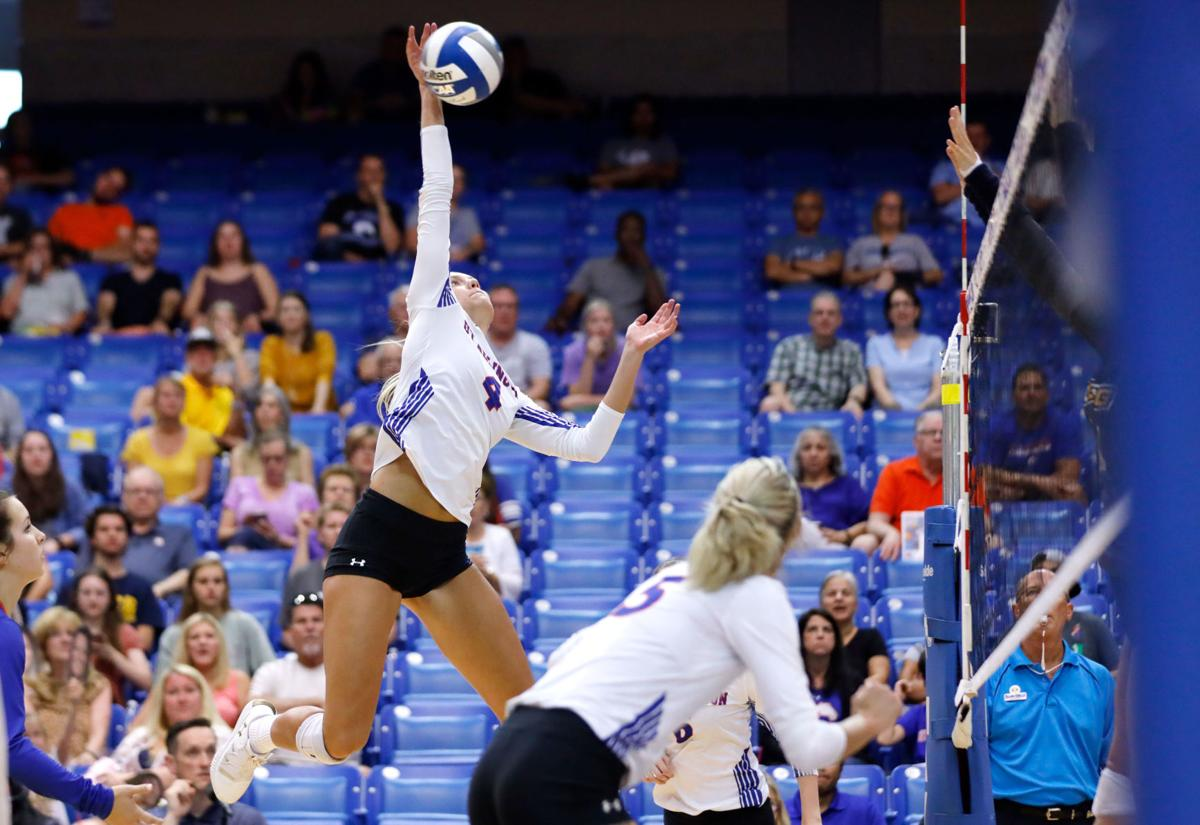 UTA volleyball balances power, efficiency to win games