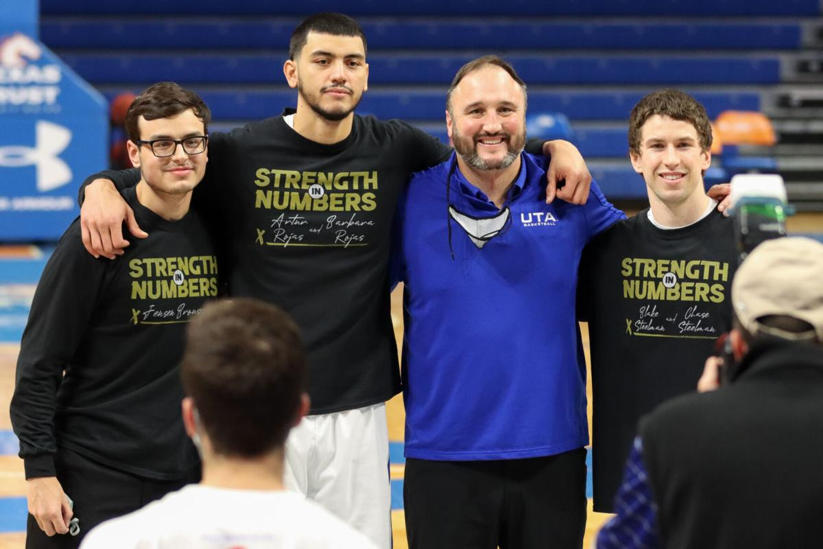 Photos: Men's basketball team sweeps two-game series against Arkansas State University