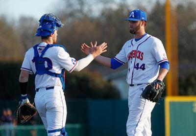 UTA baseball combines for shutout in series win against UT-San Antonio