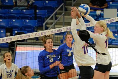 UTA volleyball continues sluggish start to season with losses at UTA Classic
