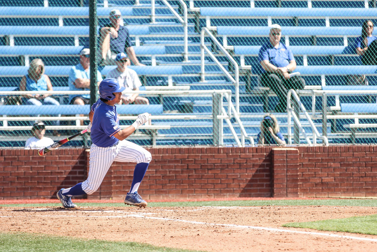 Baseball team splits day two against Islanders