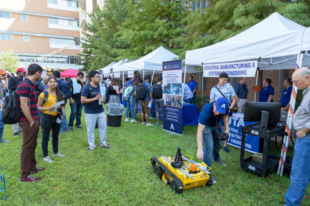 College of Engineering Welcome Bash attracts students with games, free pizza