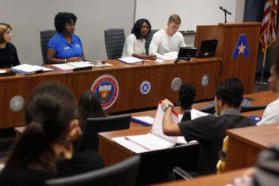 Student Senate general body meeting discusses tuition allocation, resolutions