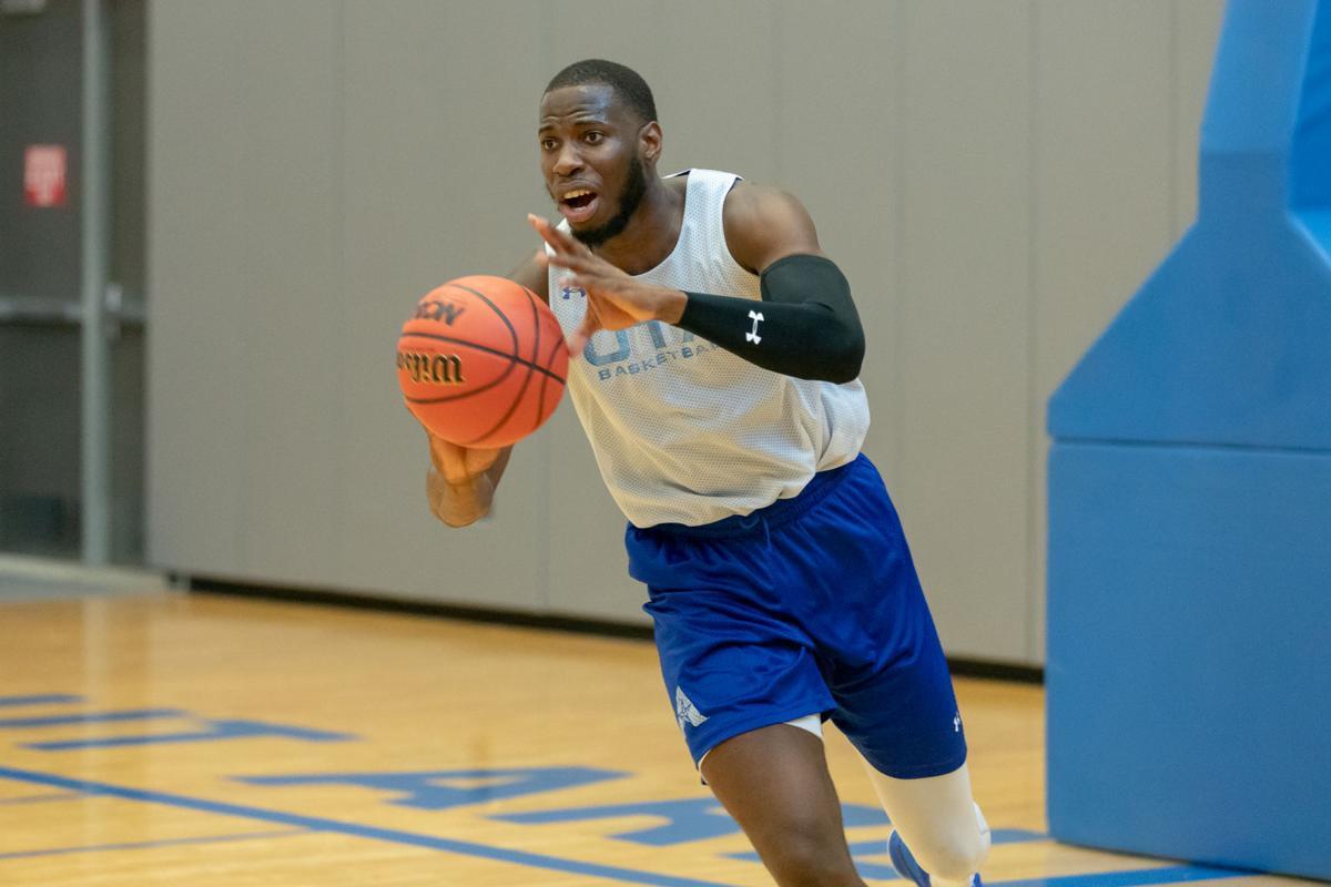 Transfers set the standard for men's basketball team