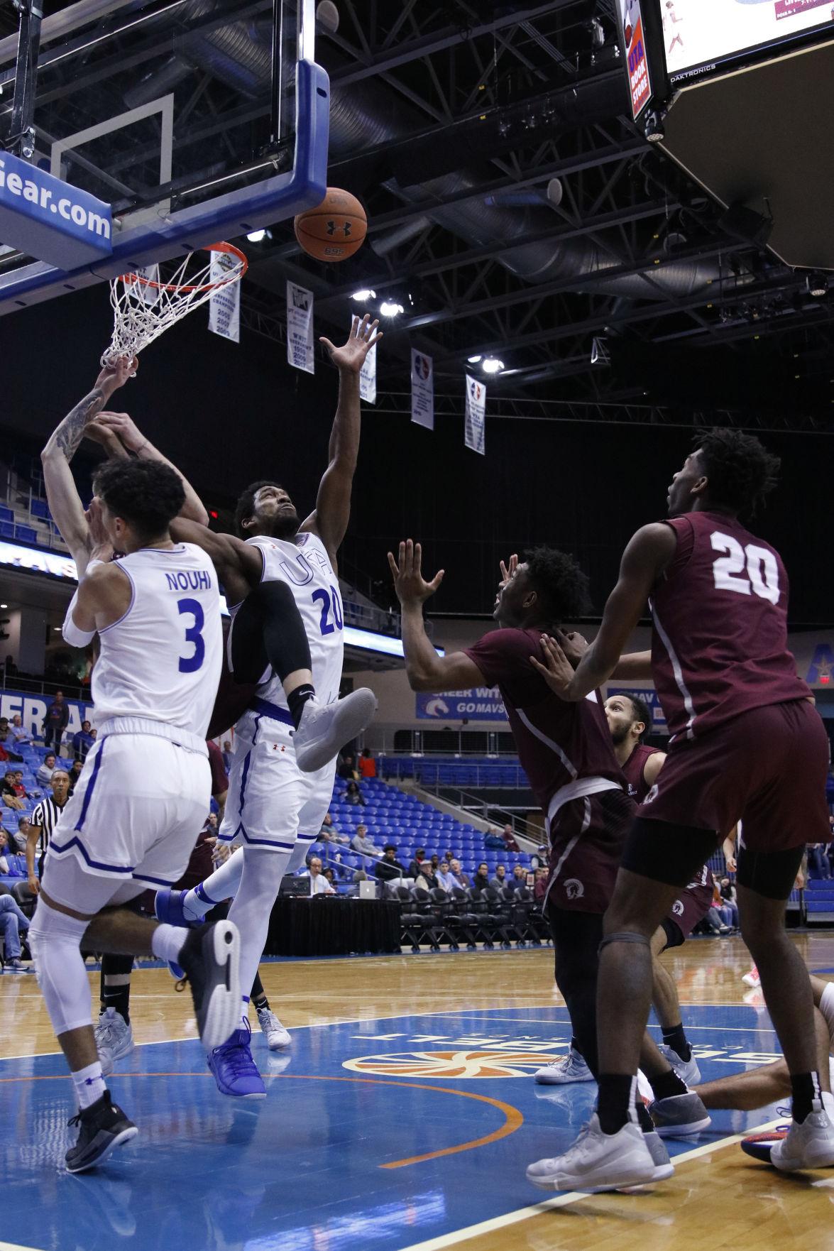 UTA men's basketball logs fourth consecutive win