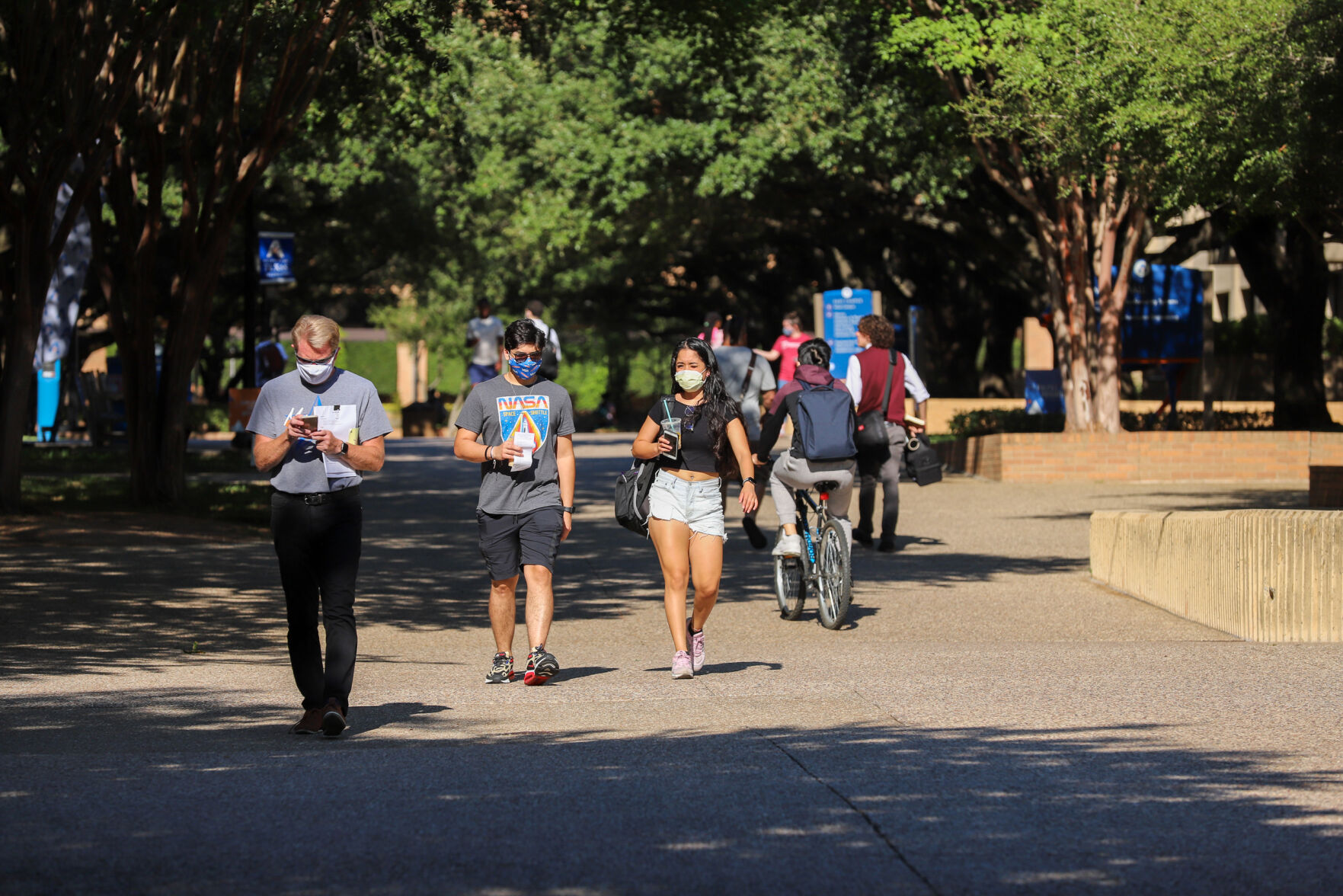 Photos: UTA students find changed campus amid social distancing guidelines, limited seating