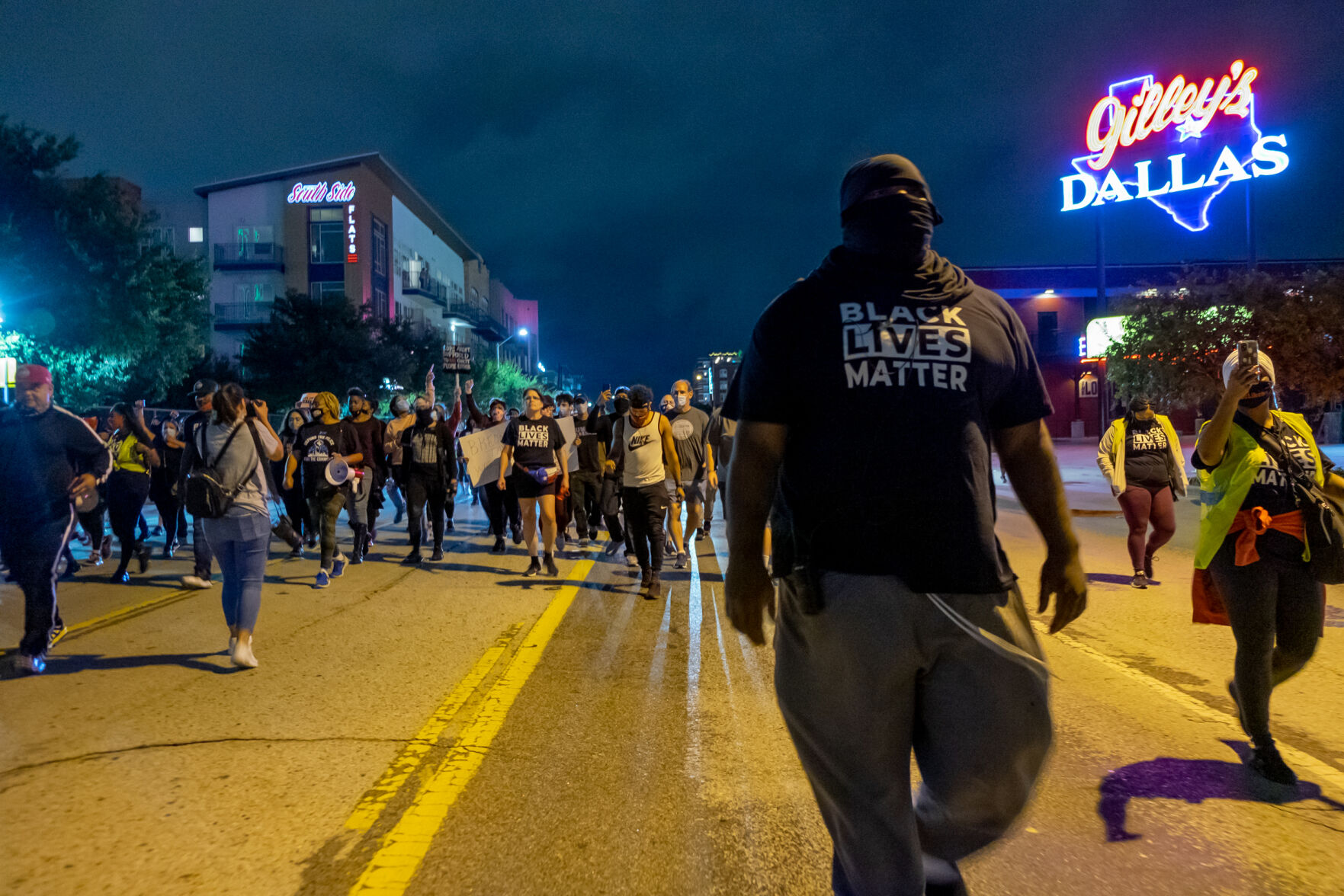 Photos: Activist groups march throughout Dallas, protest after Breonna Taylor grand jury decision