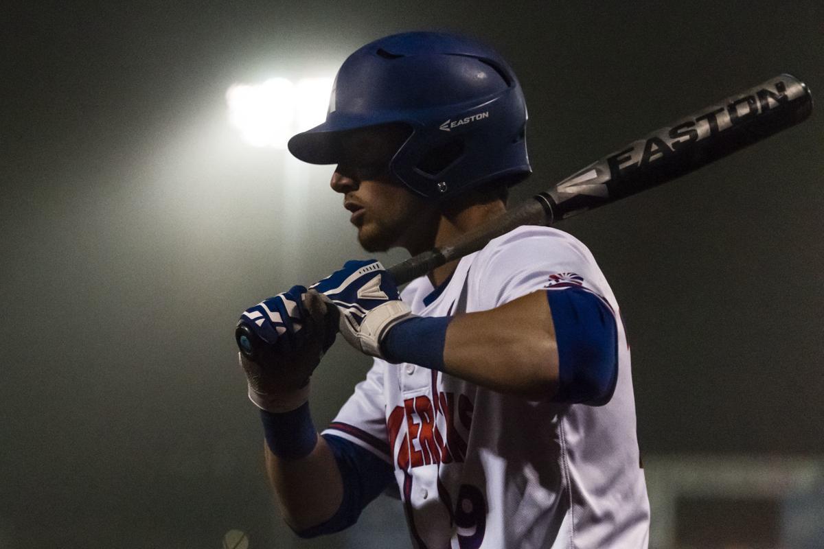UTA baseball secures victory in walk-off fashion