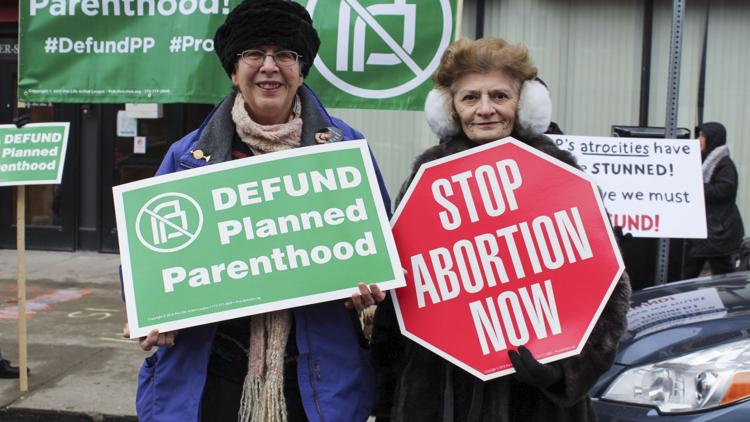 Protestors rallying for the defunding of Planned Parenthood were met with a large counter protest.