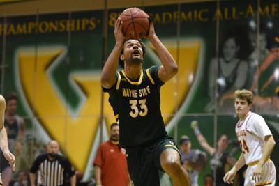 Men's basketball claims regular-season title
