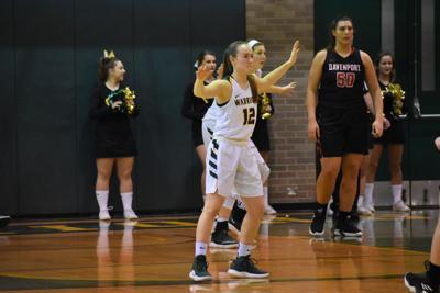 Basketball: Men fall short, women pull away against Davenport