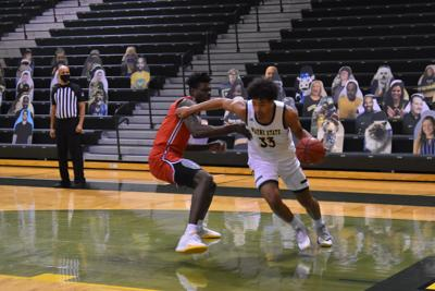 Men's basketball seals conference win in series sweep