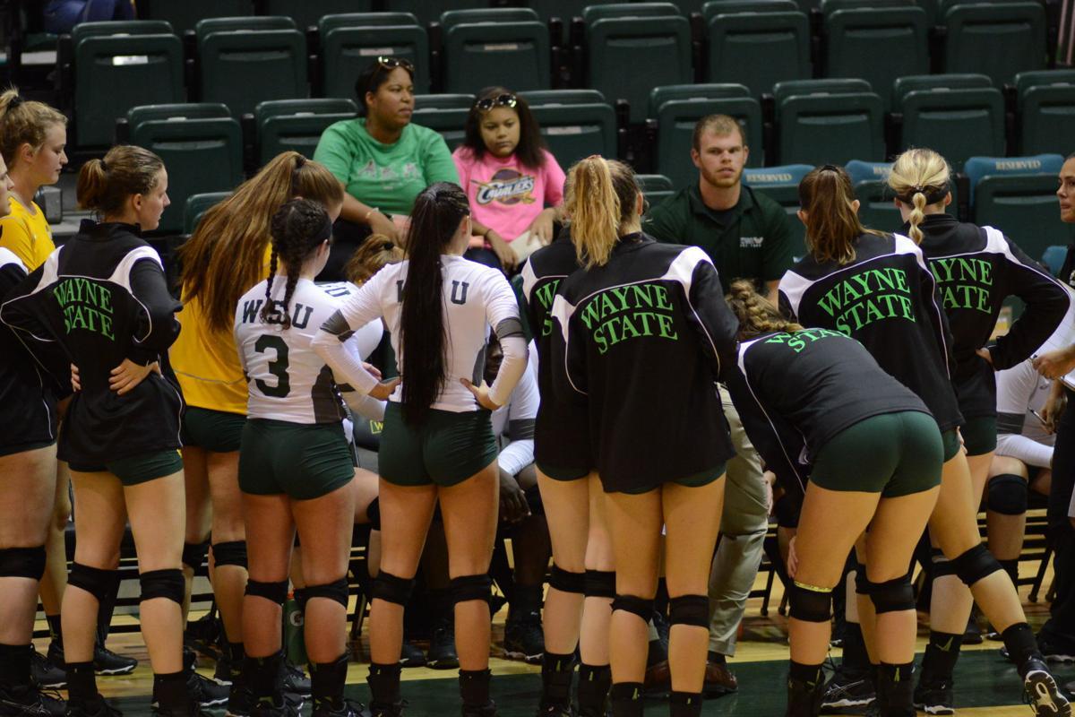 WSU volleyball defeats GVSU in 4 sets