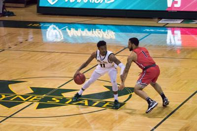 Men's basketball loses seventh consecutive game