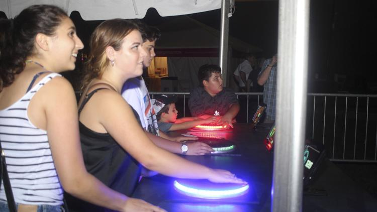 Dlectricity returns to midtown