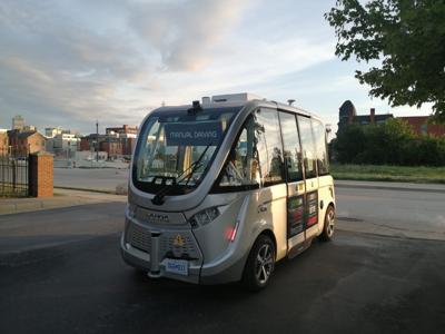 Autonomous vehicle shuttle provides transportation, hands-on experience for students
