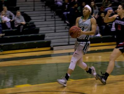 Women's basketball defeats Davenport University