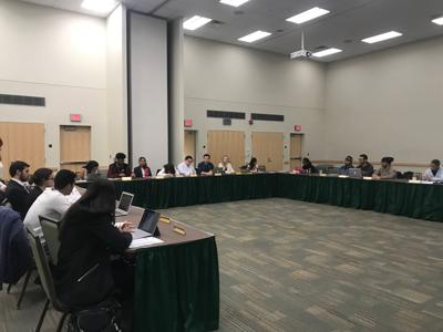 Student Senate hears crime, policing concerns at town hall