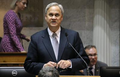 Longtime Republican state senator steps down before election