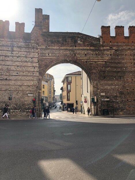 Daniela Caputo Destinations: Daytrip to Verona, Sirmione and Lake Garda