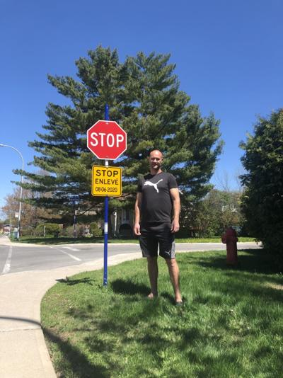 Pointe-Claire residents shocked by stop sign removal notice in their neighbourhood