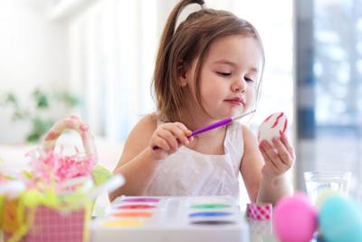 Supermom In Training: 7 Cool ways to decorate Easter eggs