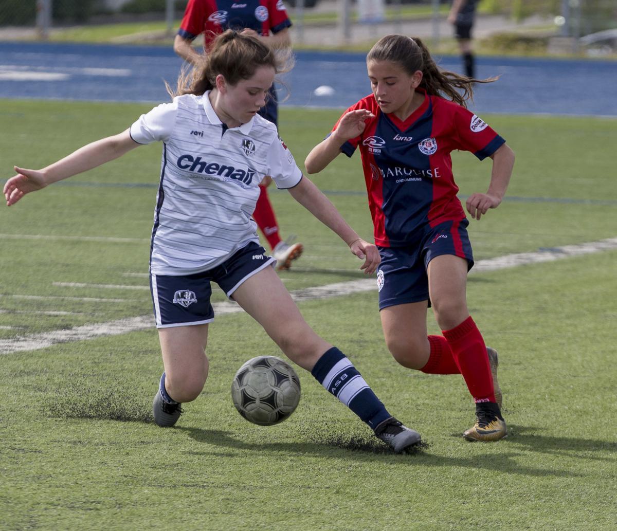 Blainville takes Etoiles De L'Est down in 3-1 game