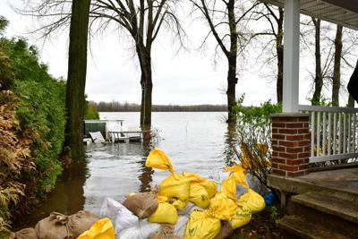 Some Pierrefonds-Roxboro families in caught in flood zone limbo