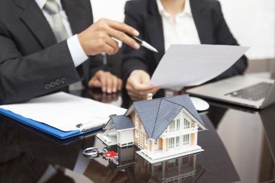 Jennifer Lynn Walker: Is it a good idea to work with a real estate broker when you buy