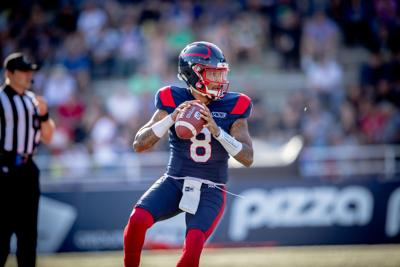 Vernon Adams Jr. sharing his knowledge while riding out the pandemic